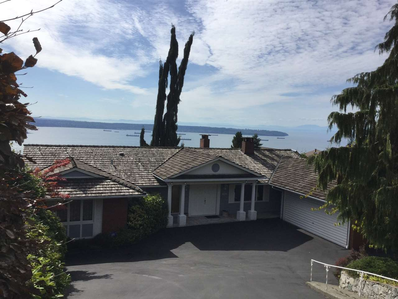 Detached at 1346 WHITBY ROAD, West Vancouver, British Columbia. Image 1