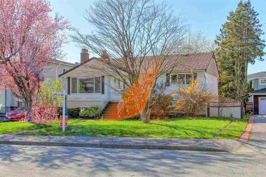 Detached at 8455 14TH AVENUE, Burnaby East, British Columbia. Image 2