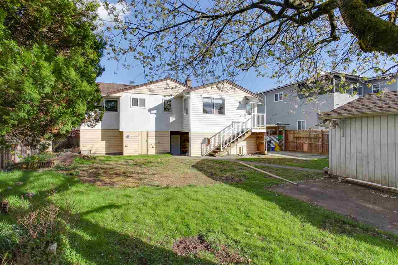 Detached at 8455 14TH AVENUE, Burnaby East, British Columbia. Image 5