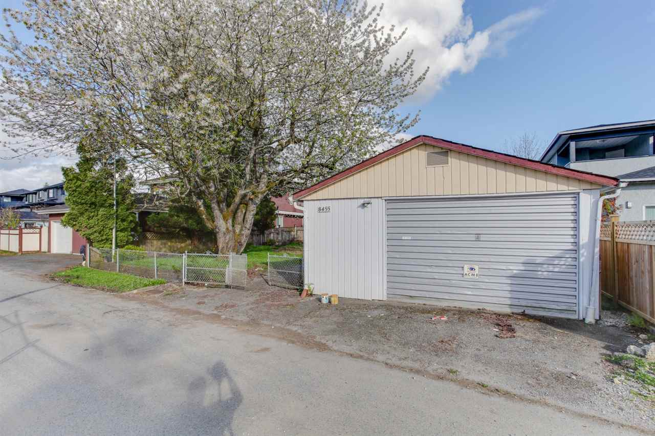 Detached at 8455 14TH AVENUE, Burnaby East, British Columbia. Image 7