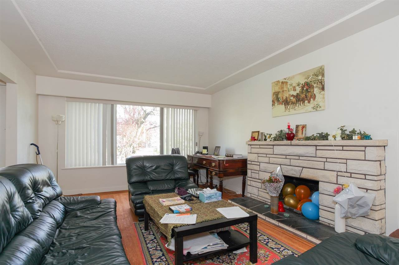 Detached at 8455 14TH AVENUE, Burnaby East, British Columbia. Image 8