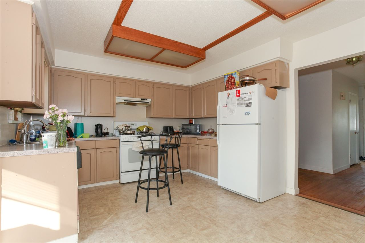 Detached at 8455 14TH AVENUE, Burnaby East, British Columbia. Image 12