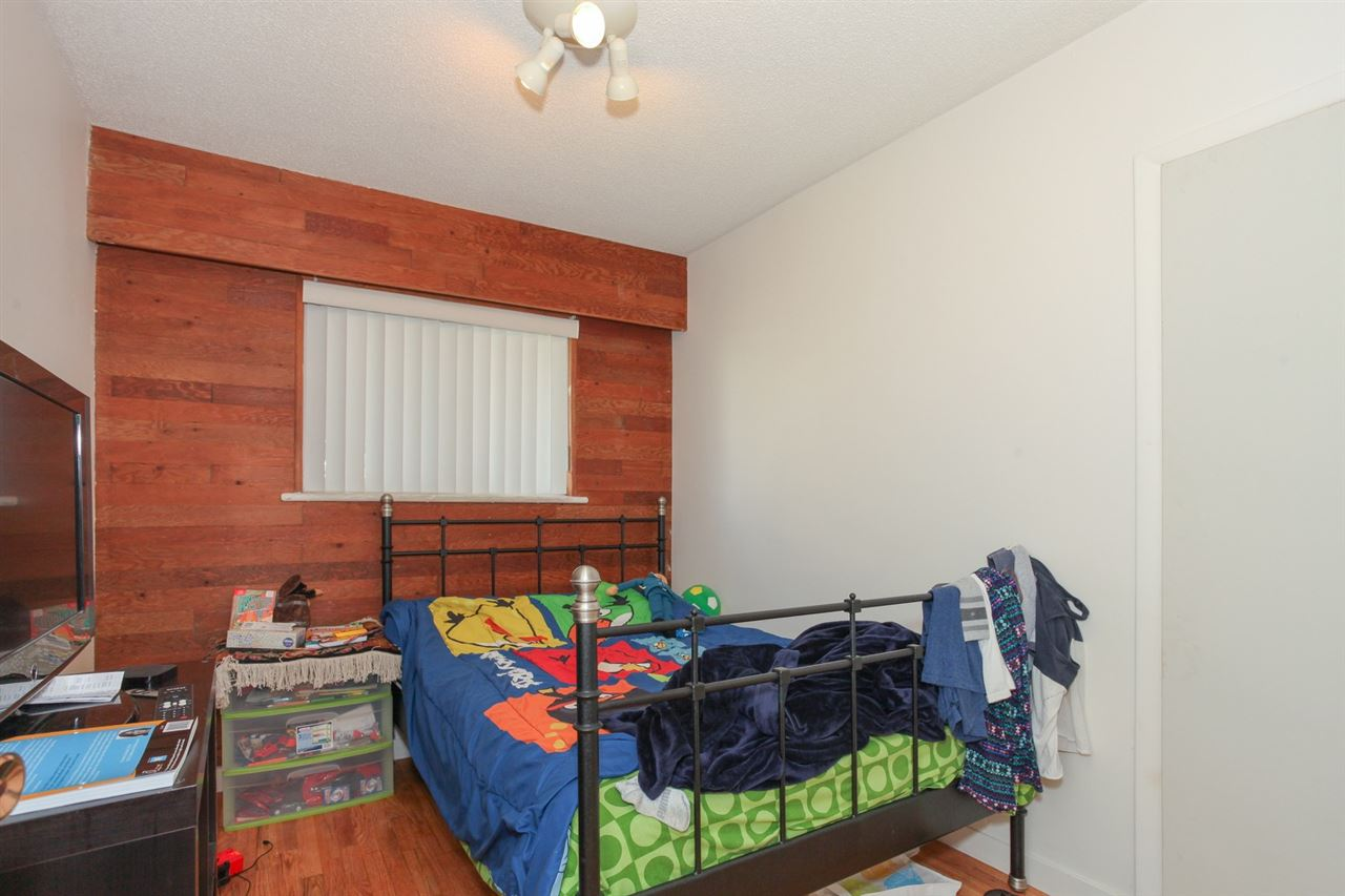 Detached at 8455 14TH AVENUE, Burnaby East, British Columbia. Image 15