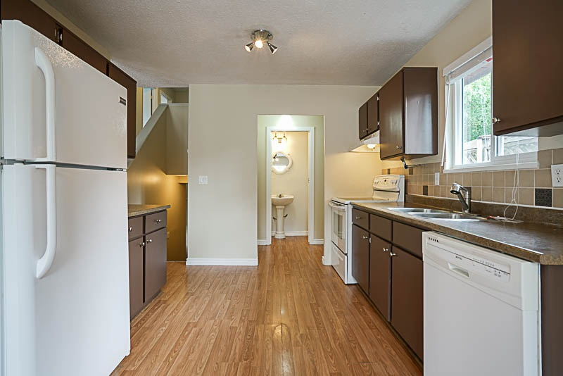 Detached at 32524 ORIOLE CRESCENT, Abbotsford, British Columbia. Image 7