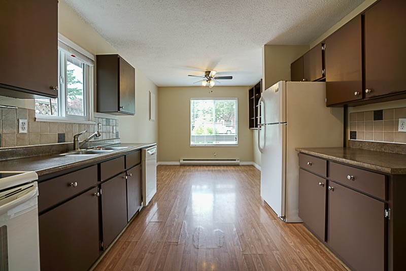 Detached at 32524 ORIOLE CRESCENT, Abbotsford, British Columbia. Image 8
