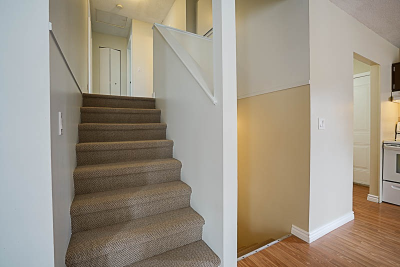 Detached at 32524 ORIOLE CRESCENT, Abbotsford, British Columbia. Image 10