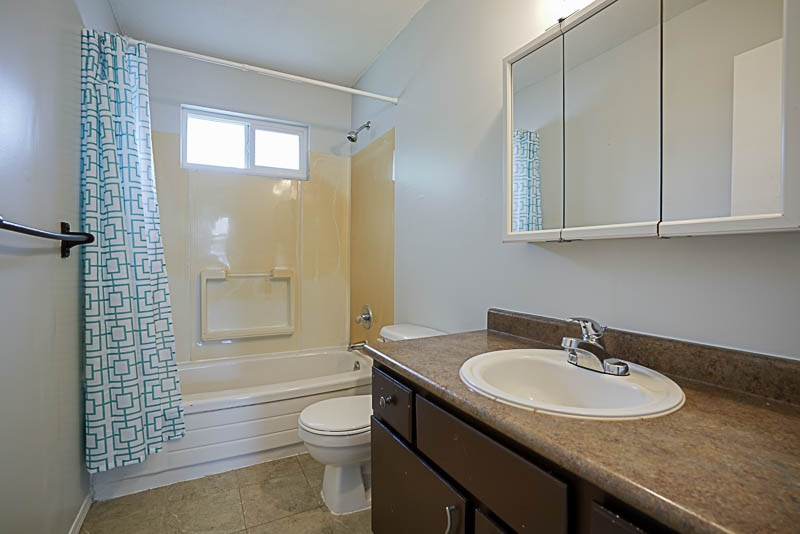 Detached at 32524 ORIOLE CRESCENT, Abbotsford, British Columbia. Image 13