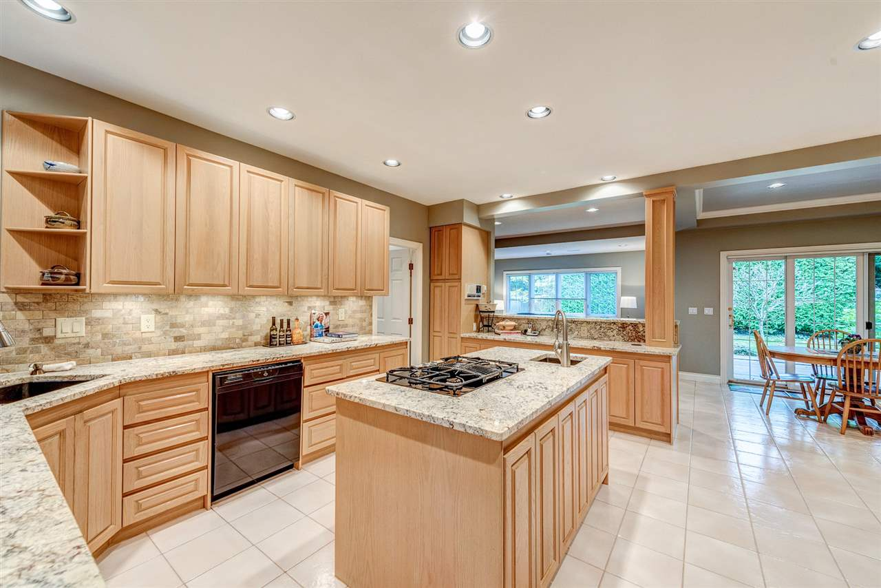 Detached at 2338 129A STREET, South Surrey White Rock, British Columbia. Image 7