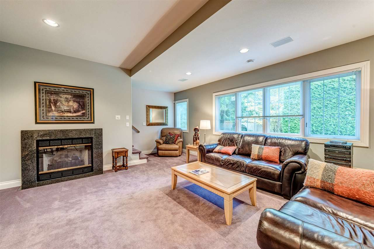 Detached at 2338 129A STREET, South Surrey White Rock, British Columbia. Image 10