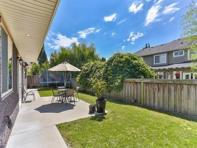 Detached at 3428 LAMOND AVENUE, Richmond, British Columbia. Image 15