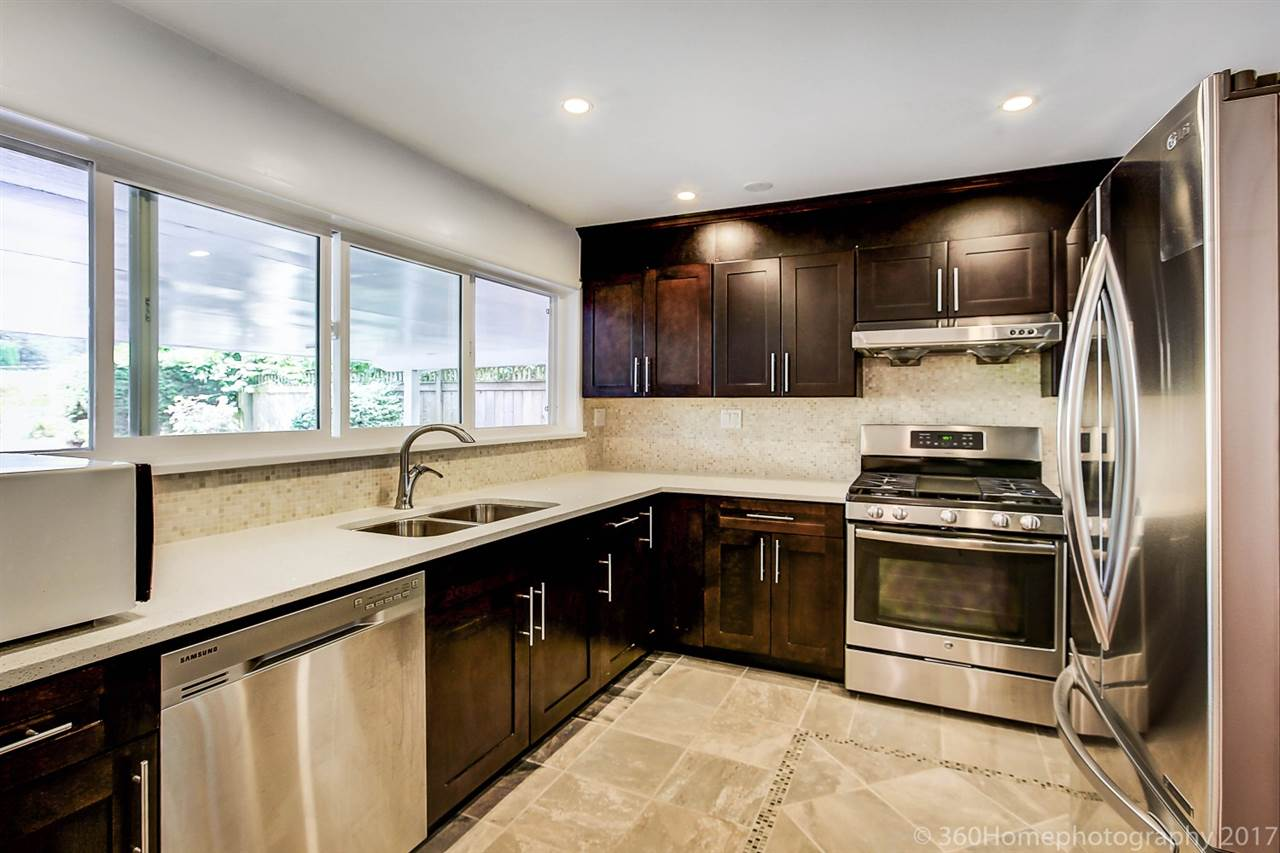 Detached at 3575 W 49TH AVENUE, Vancouver West, British Columbia. Image 5
