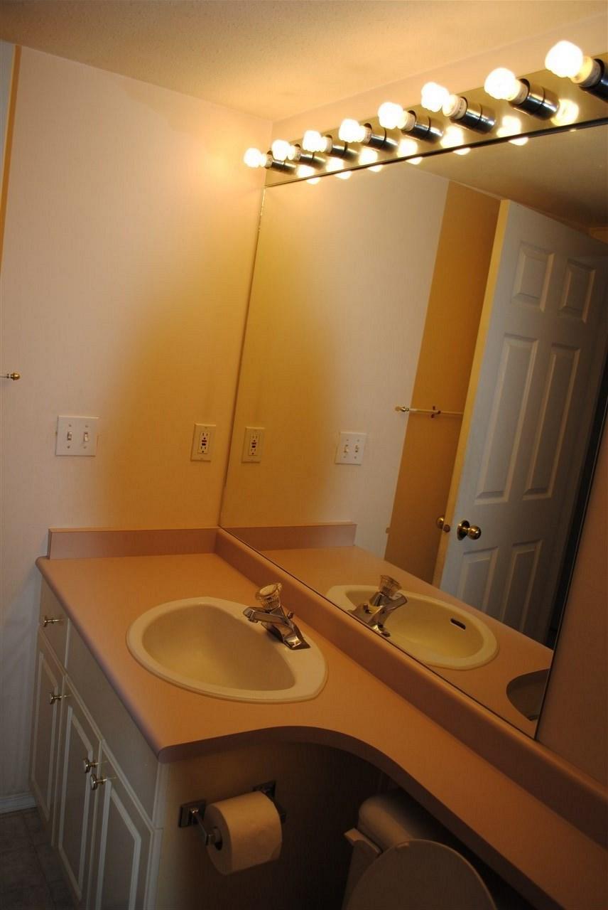 Condo Apartment at 107 32044 OLD YALE ROAD, Unit 107, Abbotsford, British Columbia. Image 2