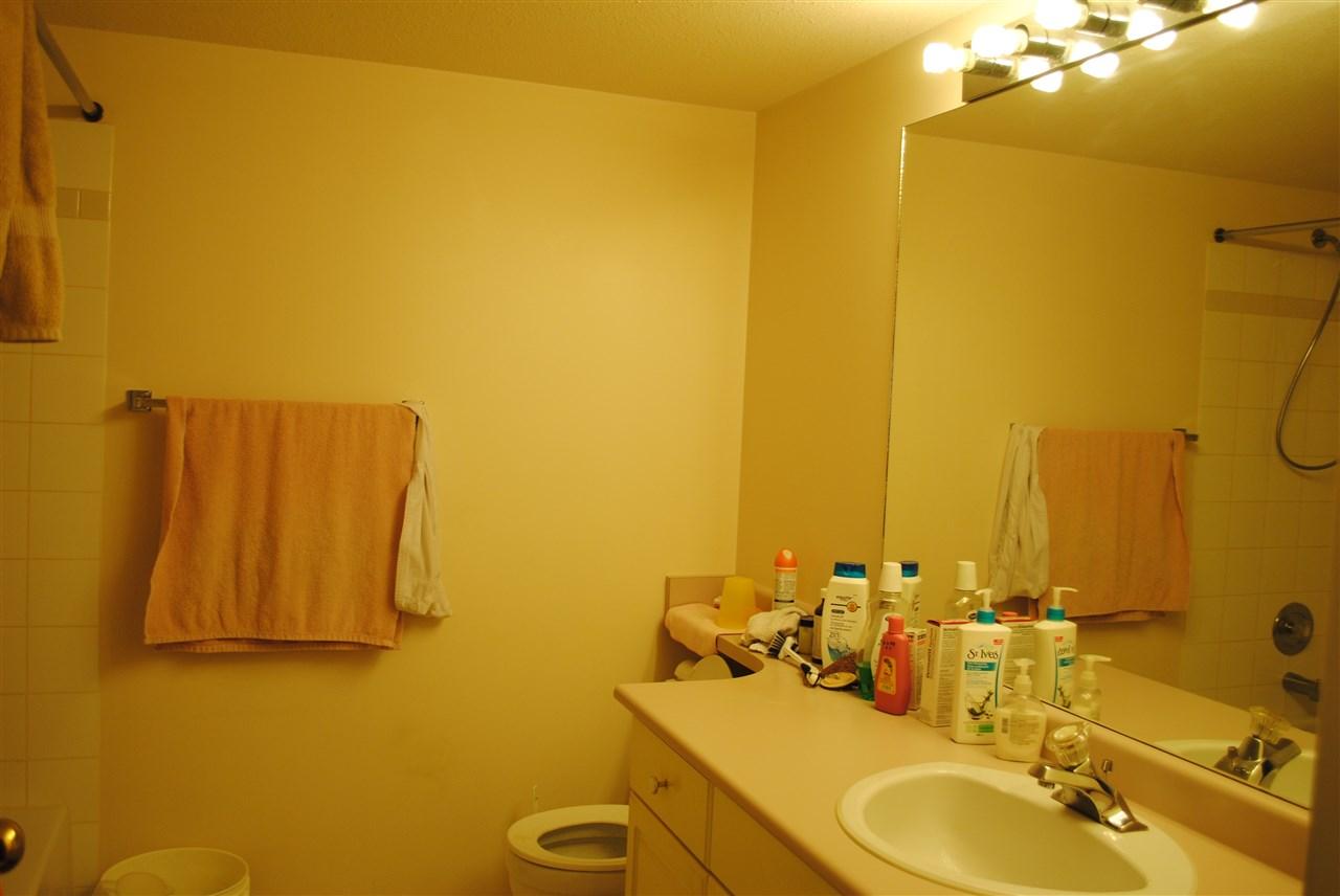 Condo Apartment at 107 32044 OLD YALE ROAD, Unit 107, Abbotsford, British Columbia. Image 16