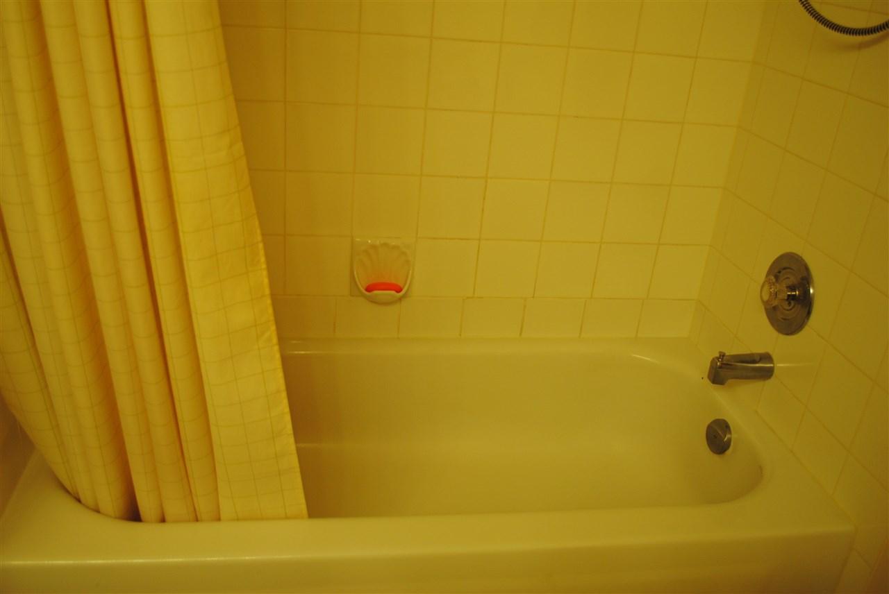 Condo Apartment at 107 32044 OLD YALE ROAD, Unit 107, Abbotsford, British Columbia. Image 17