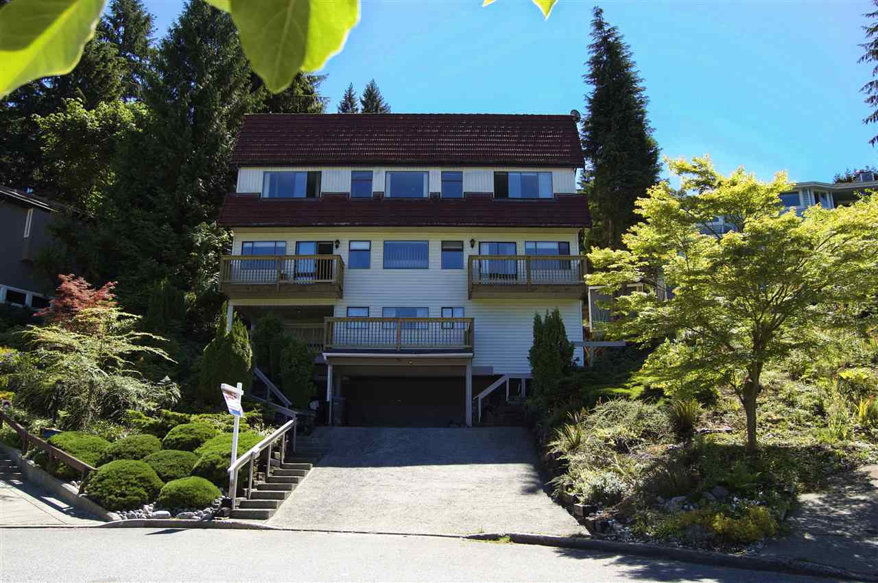 Detached at 15 NOBLE COURT, Port Moody, British Columbia. Image 1