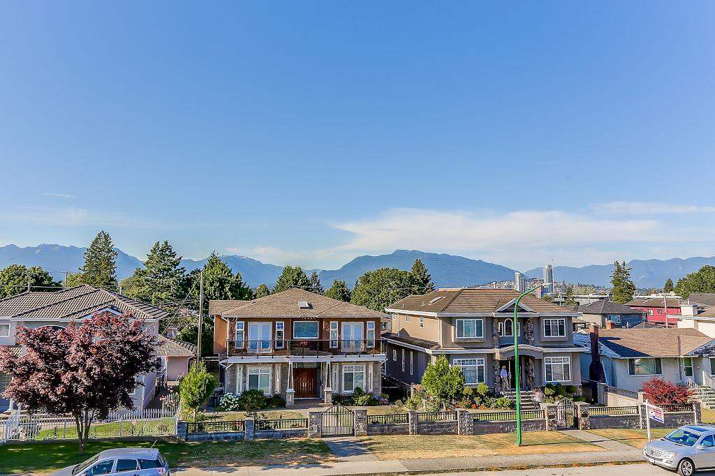 Detached at 3722 FOREST STREET, Burnaby South, British Columbia. Image 18