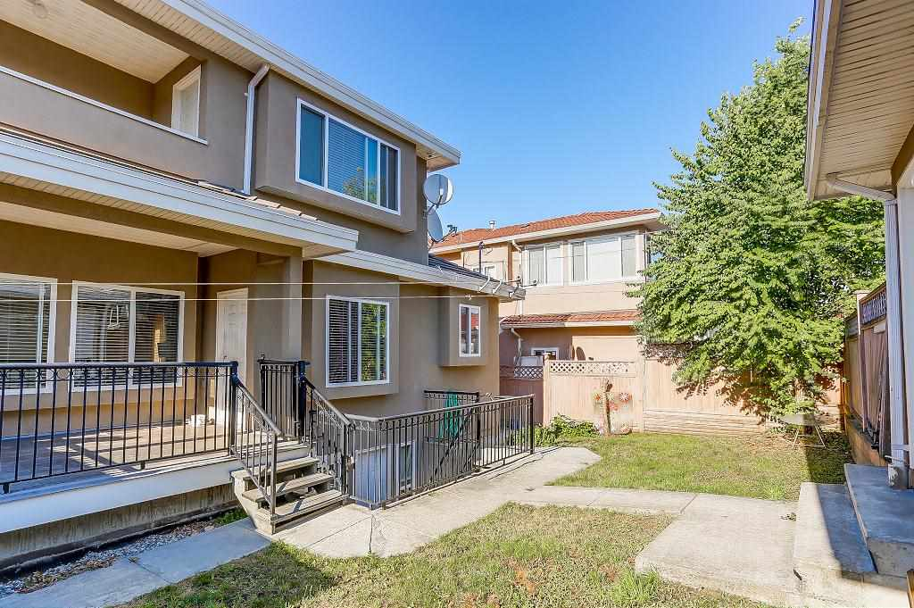 Detached at 3722 FOREST STREET, Burnaby South, British Columbia. Image 19