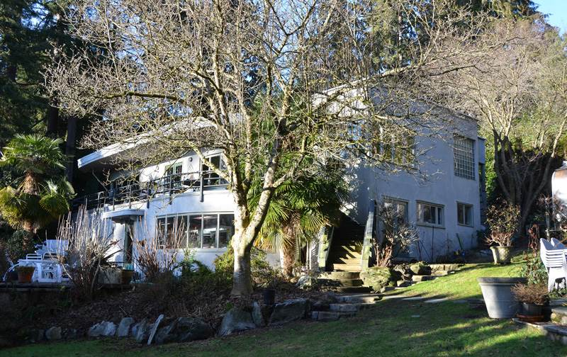Detached at 2909 MATHERS AVENUE, West Vancouver, British Columbia. Image 1
