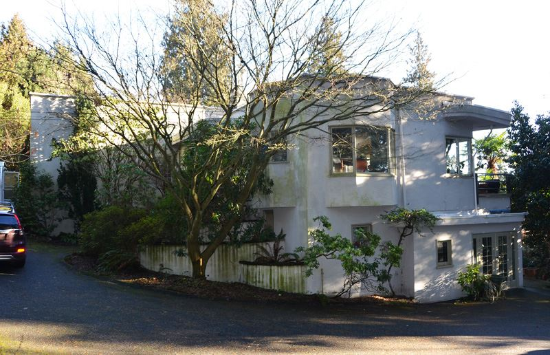 Detached at 2909 MATHERS AVENUE, West Vancouver, British Columbia. Image 3