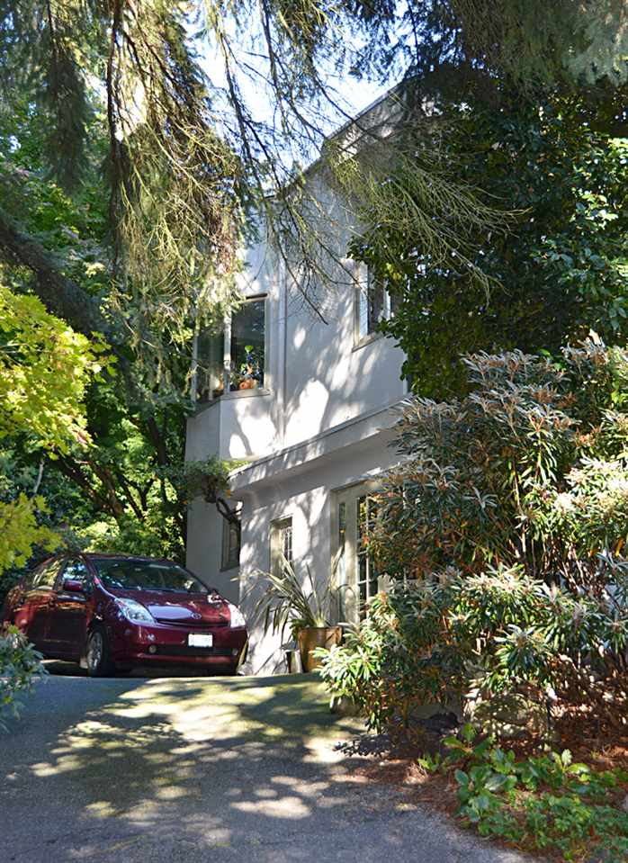 Detached at 2909 MATHERS AVENUE, West Vancouver, British Columbia. Image 9