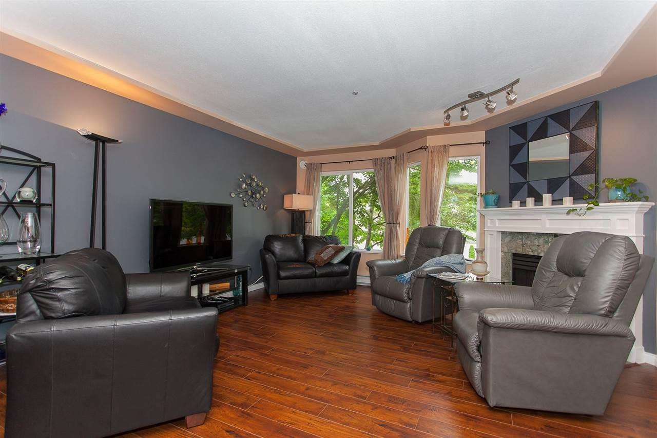Condo Apartment at 207 20433 53RD AVENUE, Unit 207, Langley, British Columbia. Image 5