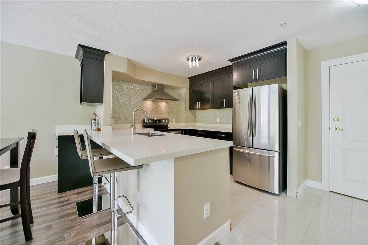 Condo Apartment at 206 20268 54 AVENUE, Unit 206, Langley, British Columbia. Image 2