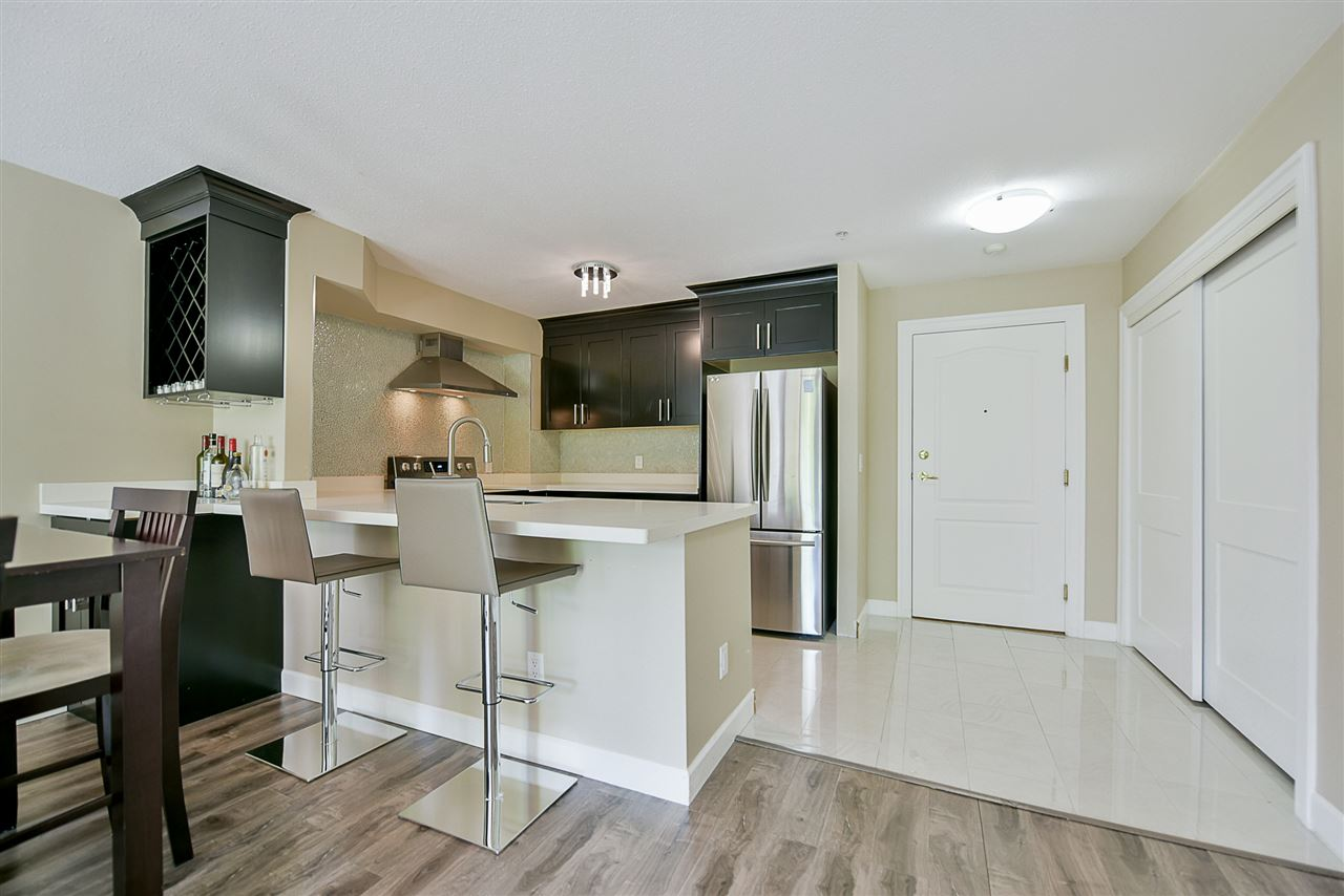 Condo Apartment at 206 20268 54 AVENUE, Unit 206, Langley, British Columbia. Image 5