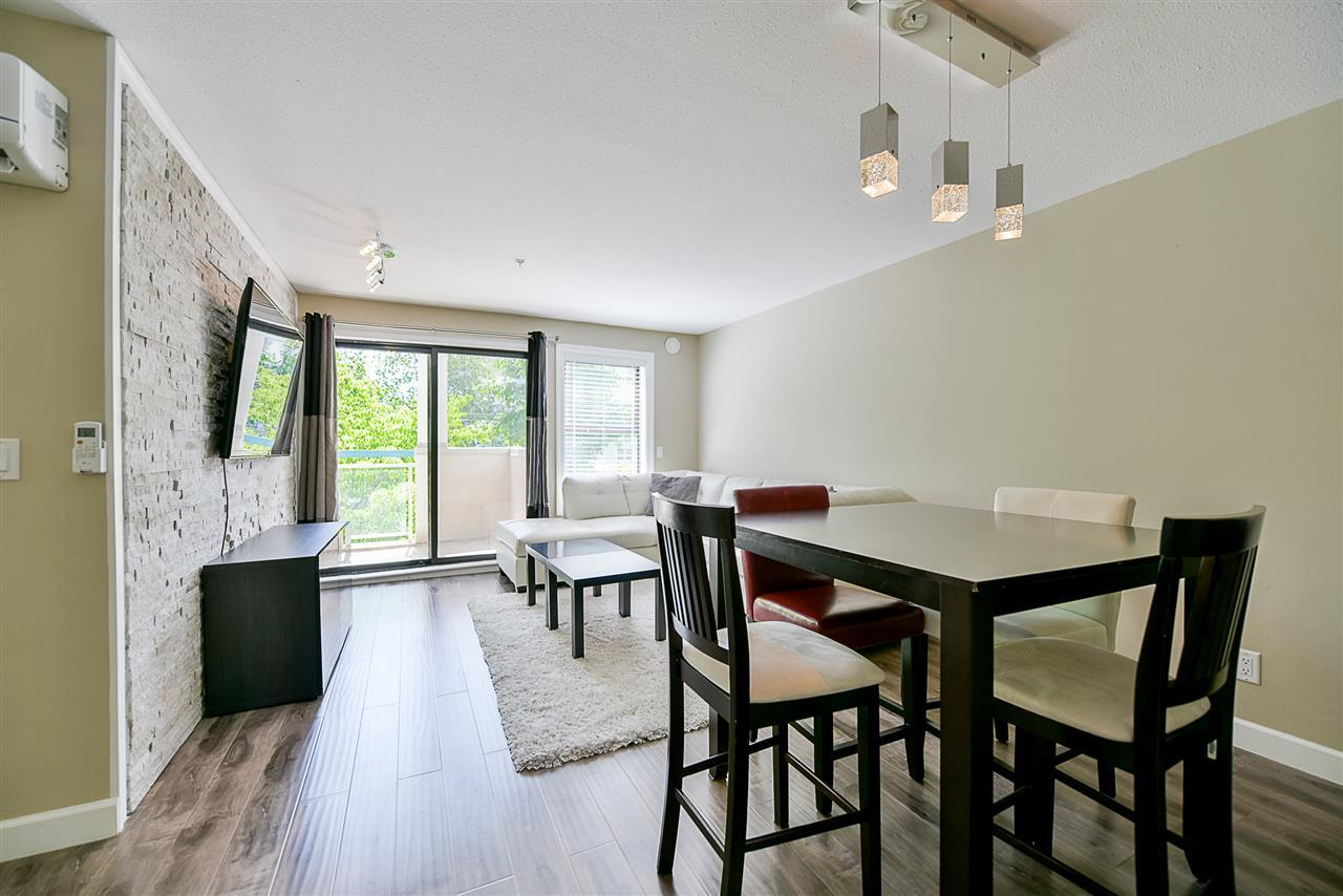 Condo Apartment at 206 20268 54 AVENUE, Unit 206, Langley, British Columbia. Image 6