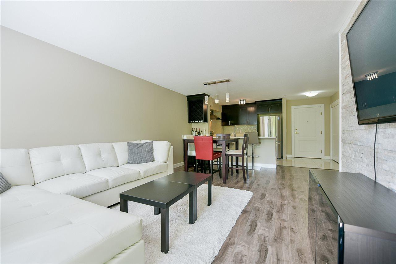 Condo Apartment at 206 20268 54 AVENUE, Unit 206, Langley, British Columbia. Image 10