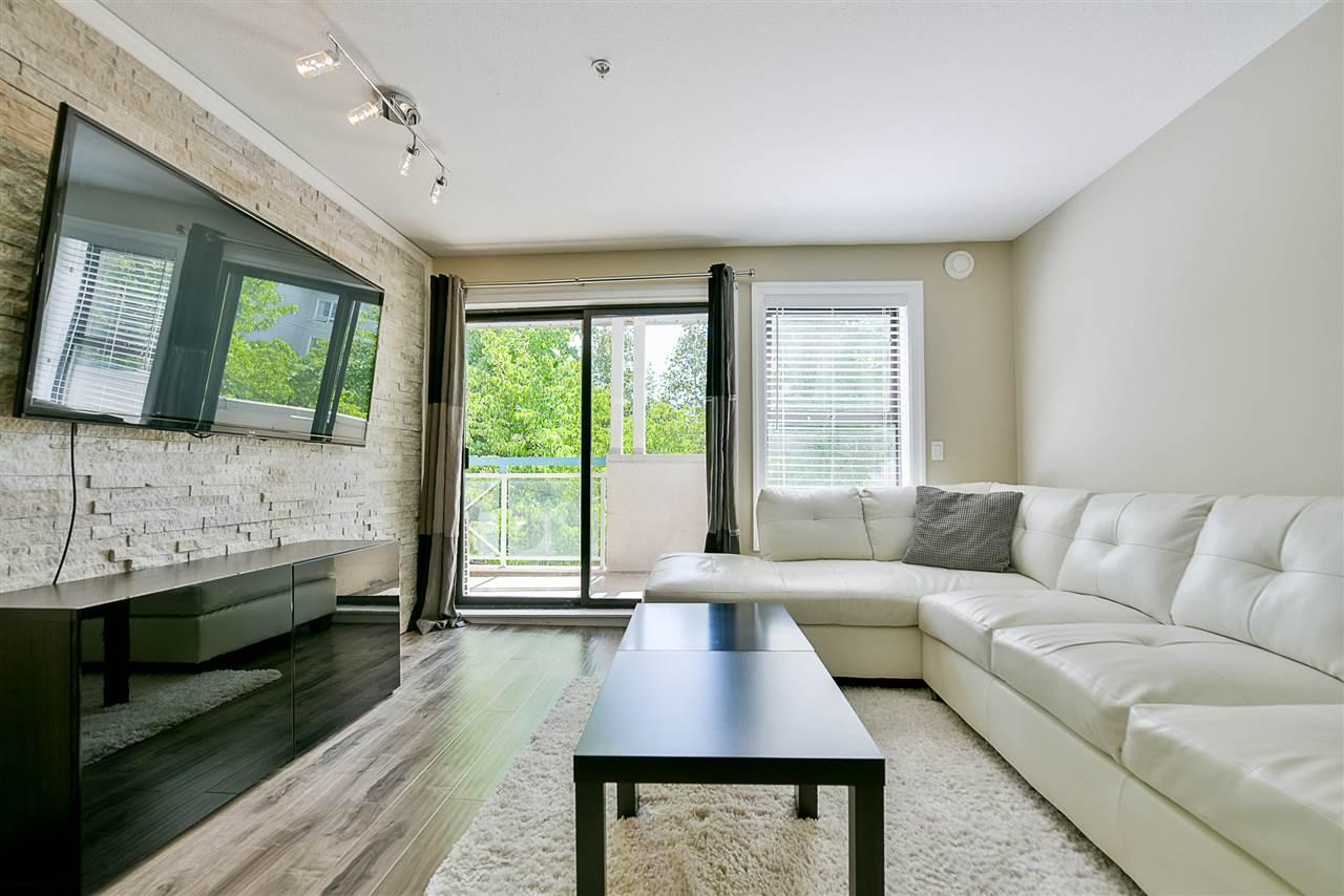 Condo Apartment at 206 20268 54 AVENUE, Unit 206, Langley, British Columbia. Image 11