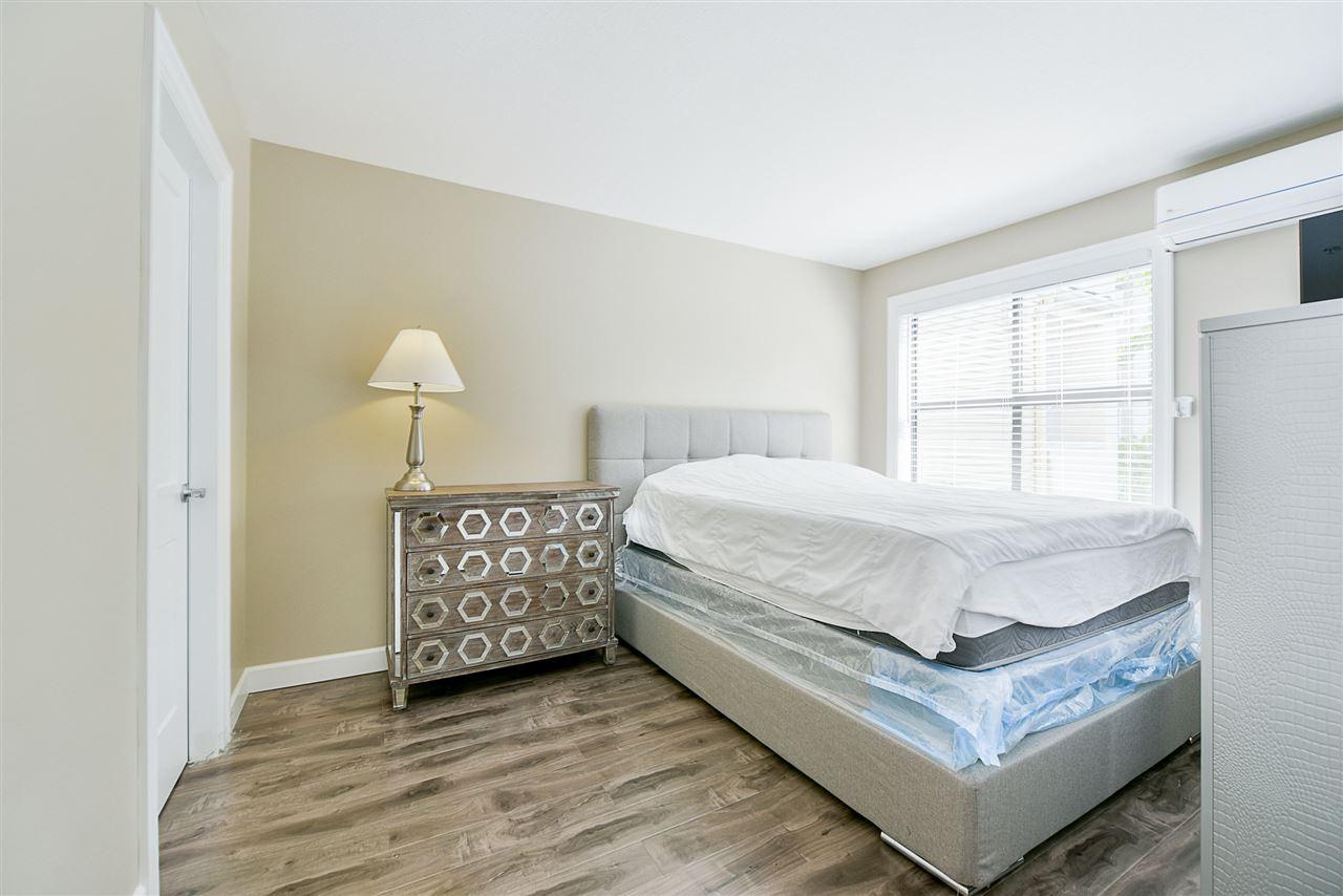 Condo Apartment at 206 20268 54 AVENUE, Unit 206, Langley, British Columbia. Image 14