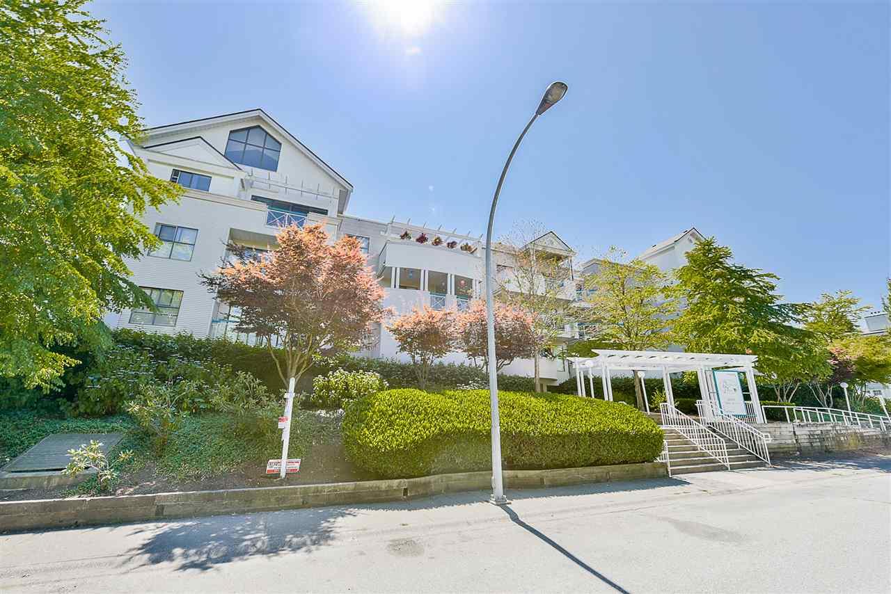 Condo Apartment at 206 20268 54 AVENUE, Unit 206, Langley, British Columbia. Image 20