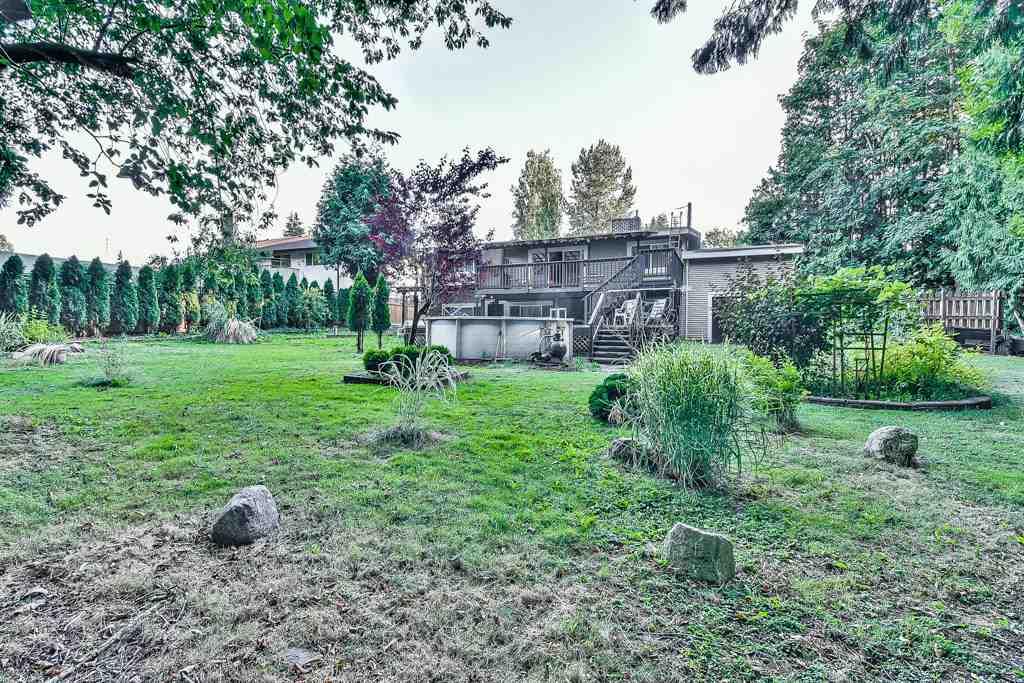Detached at 14853 BLACKBIRD CRESCENT, North Surrey, British Columbia. Image 3