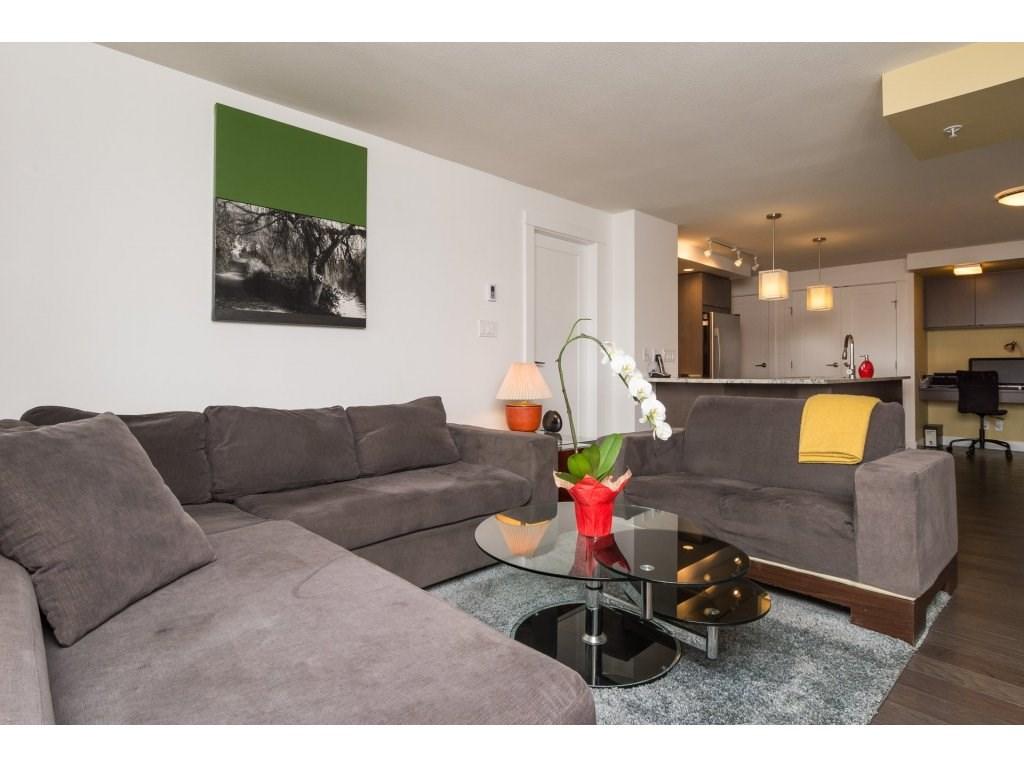 Condo Apartment at 202 14955 VICTORIA AVENUE, Unit 202, South Surrey White Rock, British Columbia. Image 6