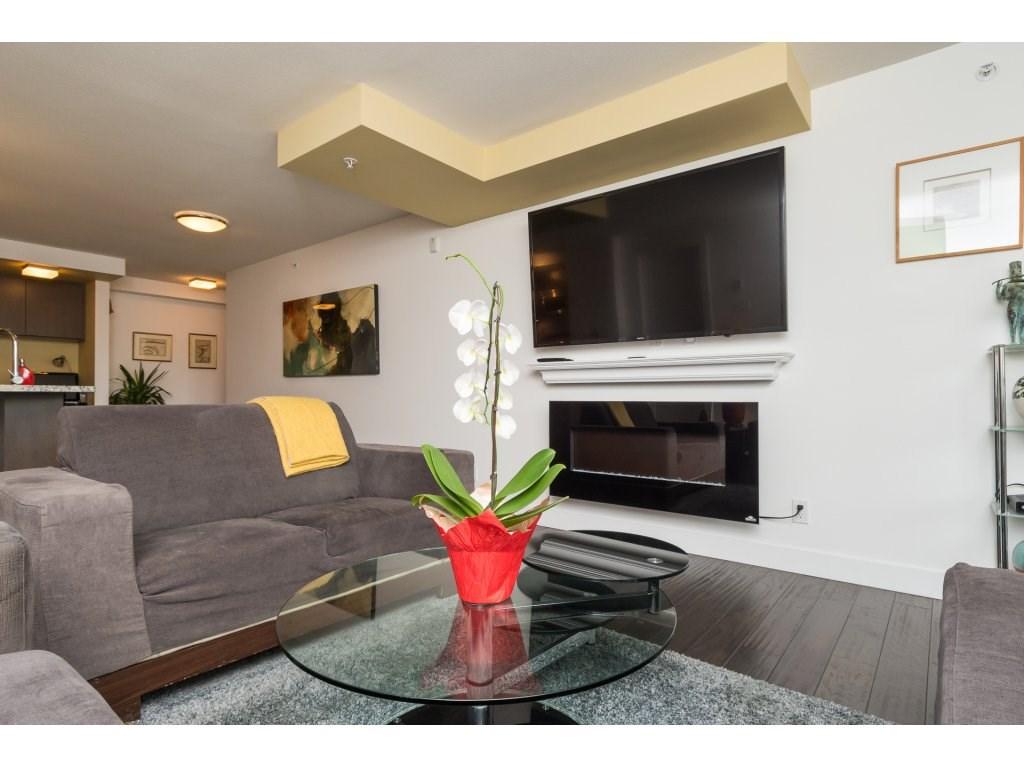 Condo Apartment at 202 14955 VICTORIA AVENUE, Unit 202, South Surrey White Rock, British Columbia. Image 7
