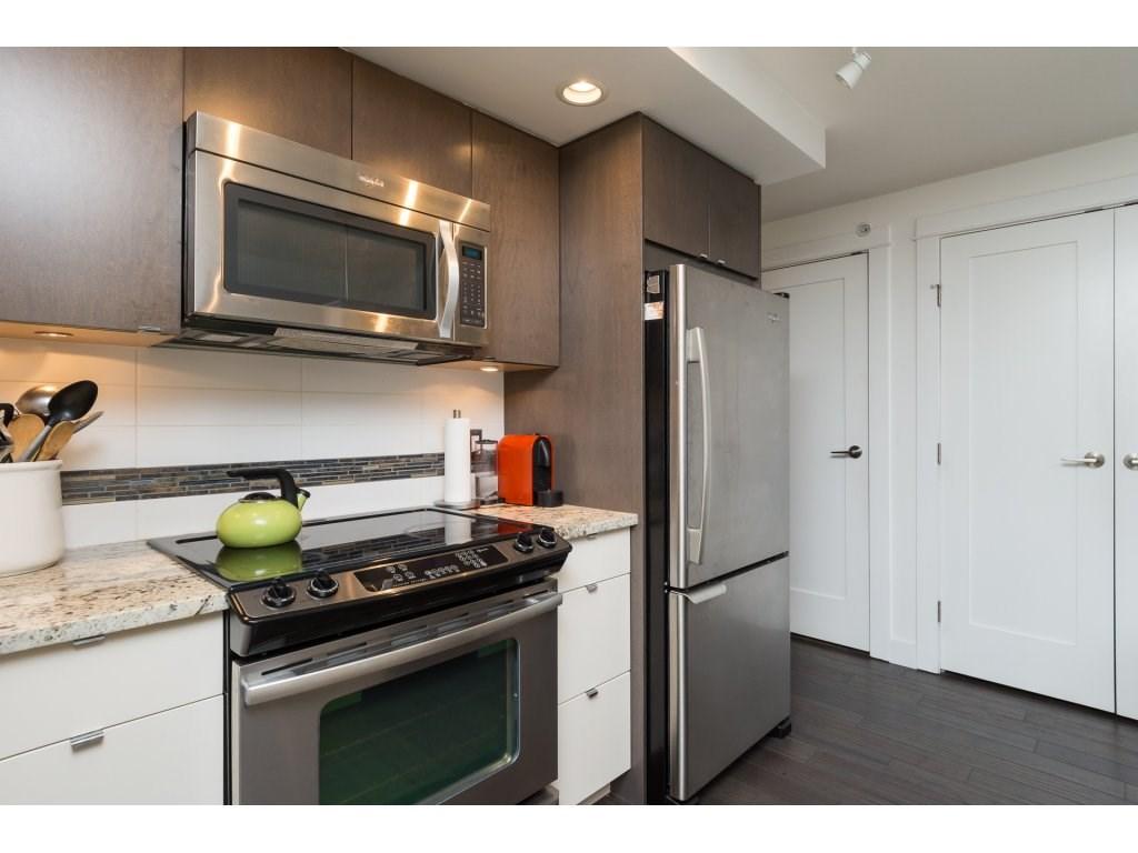 Condo Apartment at 202 14955 VICTORIA AVENUE, Unit 202, South Surrey White Rock, British Columbia. Image 10