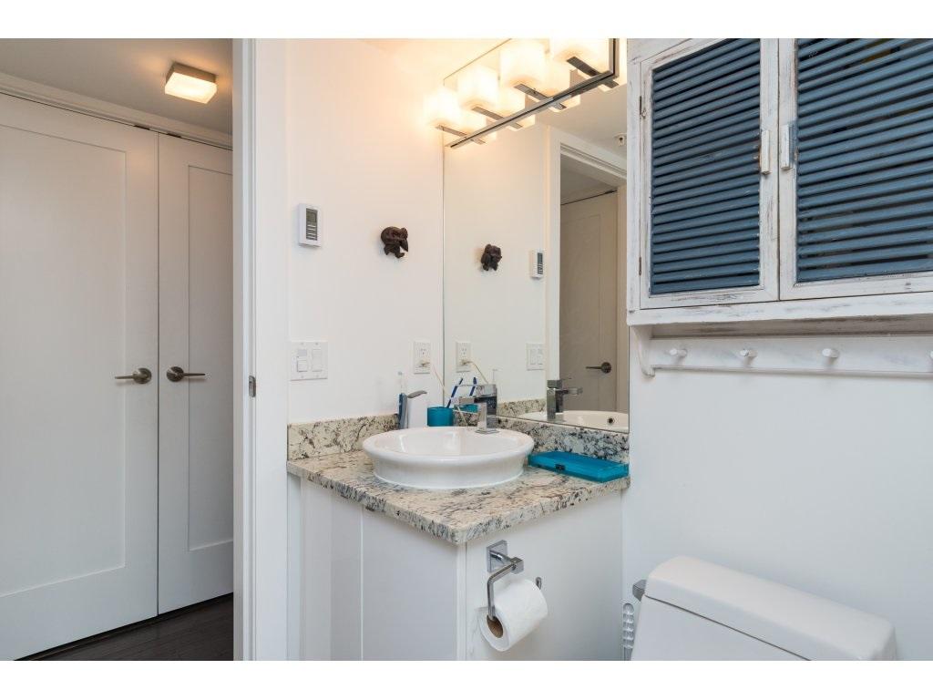 Condo Apartment at 202 14955 VICTORIA AVENUE, Unit 202, South Surrey White Rock, British Columbia. Image 15