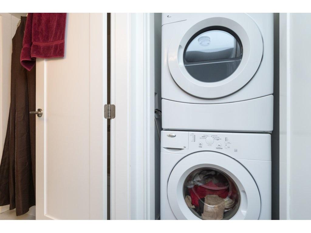 Condo Apartment at 202 14955 VICTORIA AVENUE, Unit 202, South Surrey White Rock, British Columbia. Image 16