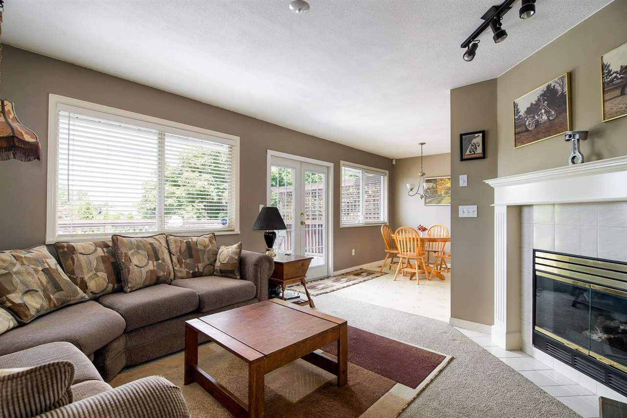 Detached at 20063 49A AVENUE, Langley, British Columbia. Image 6