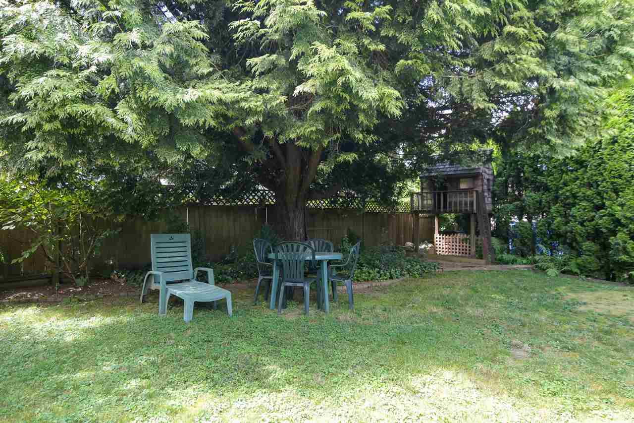 Detached at 20063 49A AVENUE, Langley, British Columbia. Image 19