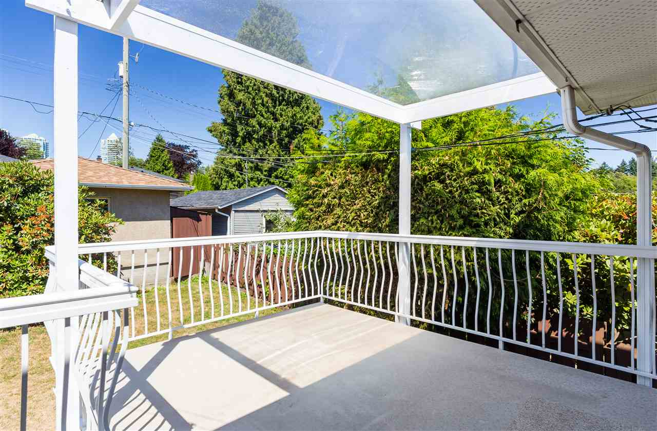 Detached at 6563 CLINTON STREET, Burnaby South, British Columbia. Image 17
