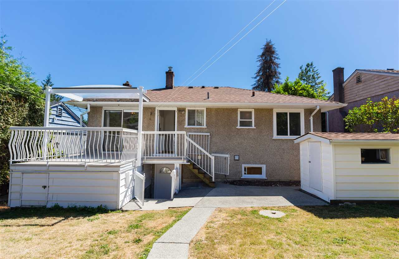 Detached at 6563 CLINTON STREET, Burnaby South, British Columbia. Image 19