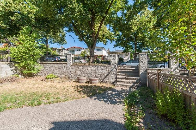 Detached at 3230 E 8TH AVENUE, Vancouver East, British Columbia. Image 2