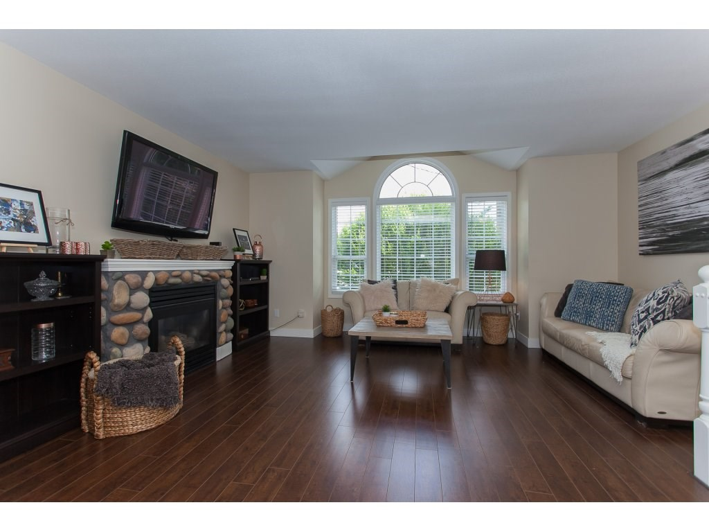 Detached at 2889 270A STREET, Langley, British Columbia. Image 5