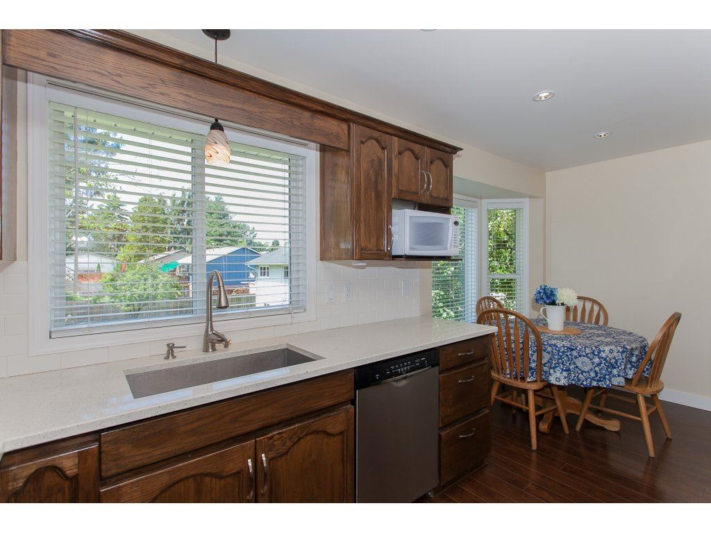 Detached at 2889 270A STREET, Langley, British Columbia. Image 12
