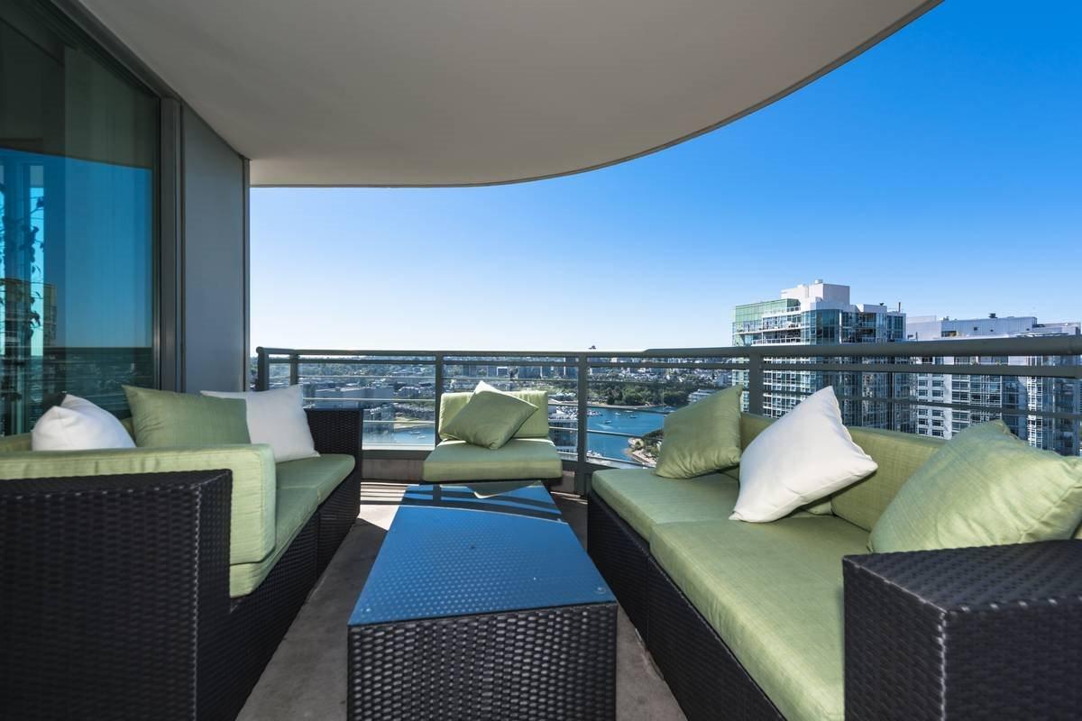 Condo Apartment at 3503 1009 EXPO BOULEVARD, Unit 3503, Vancouver West, British Columbia. Image 1