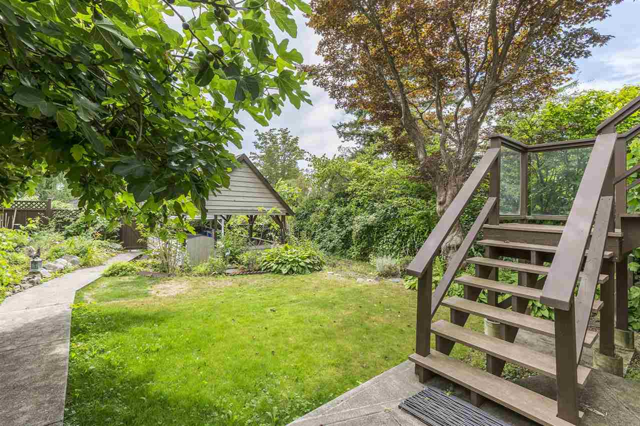 Detached at 2062 HAYWOOD AVENUE, West Vancouver, British Columbia. Image 19