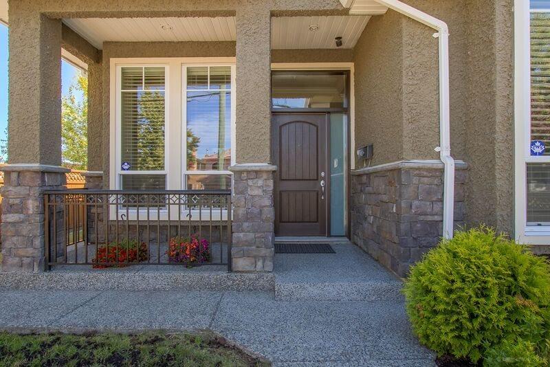 Half-duplex at 6626 BRANTFORD AVENUE, Burnaby South, British Columbia. Image 2