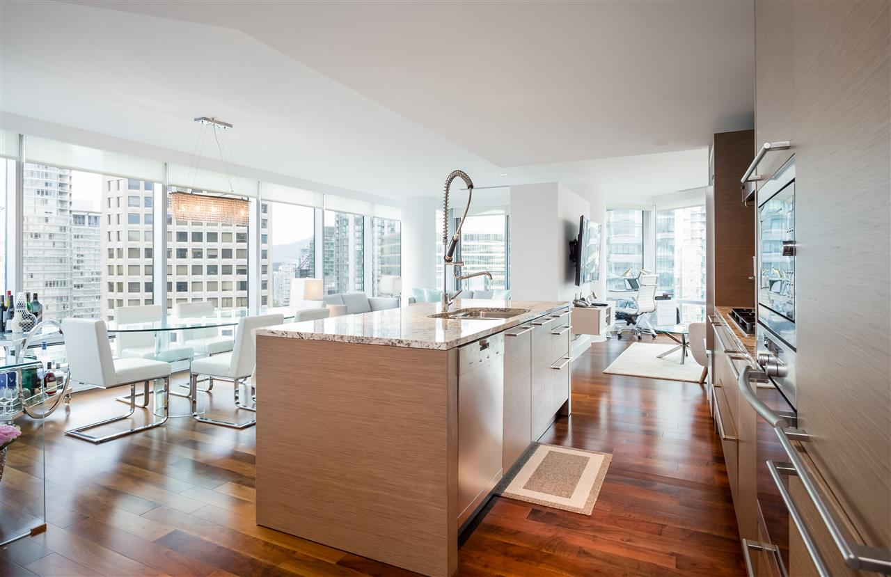 Condo Apartment at 1702 1111 ALBERNI STREET, Unit 1702, Vancouver West, British Columbia. Image 3