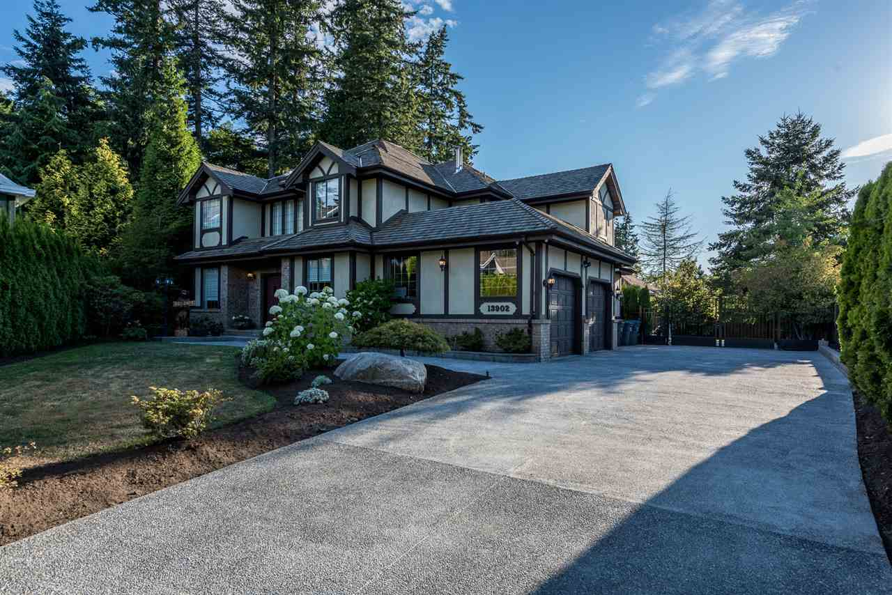 Detached at 13902 25A AVENUE, South Surrey White Rock, British Columbia. Image 1